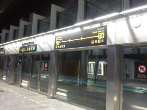 Esperando o trem dentro do T4