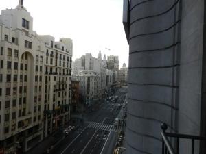 Vista do quarto - Gran Vía sentido Plaza de Cibeles