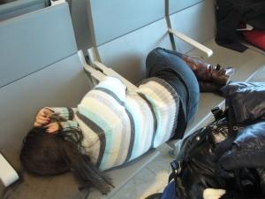 Dormindo em Barajas depois de perder a conexão e ter que esperar horas! :P