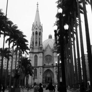 Posso ser bairrista? Prefiro o marco zero de São Paulo ao de Madrid :)