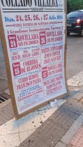 Programação da temporada de touros em um pueblo de Madrid