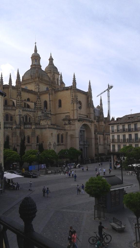 Ao lado da Catedral!