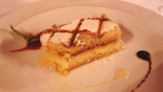 De sobremesa, o típico ponche segoviano, uma espécie de bolo bem gostosa!