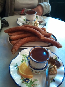 Chocolote com churros da Valor
