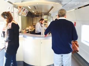 Vagão-cafeteria do trem