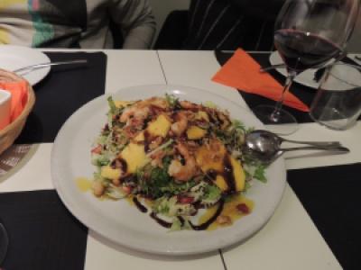Salada de manga e langostinos