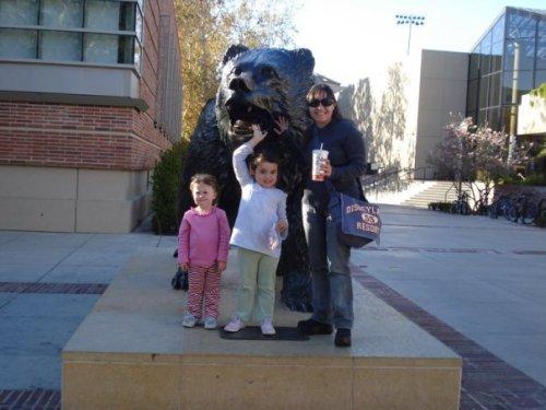 Com as minhas host kids na minha época de au pair na Califórnia